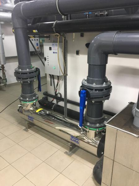 lampa-uv-na-basen-dezynfekcja-wody-na-lampach-uv
